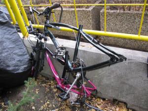 盗まれた自転車パーツ